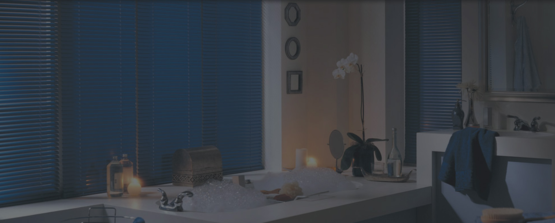 blue blinds in bathroom